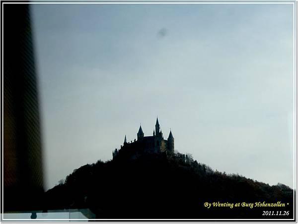 從巴士望出去的Hohenzollen Castle