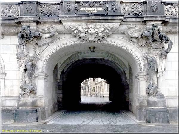 Dresden_1230-02.jpg