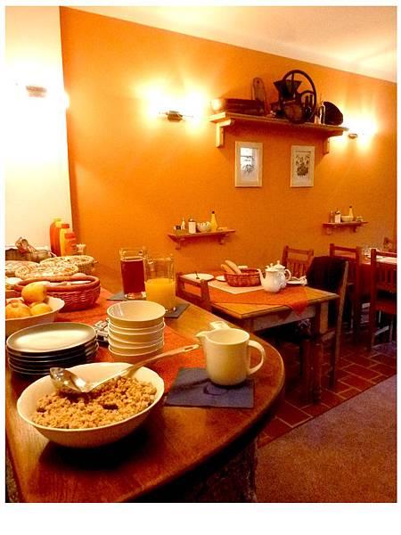 溫馨的民宿餐廳