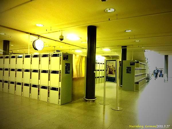 中央車站都會有一大區的置物櫃