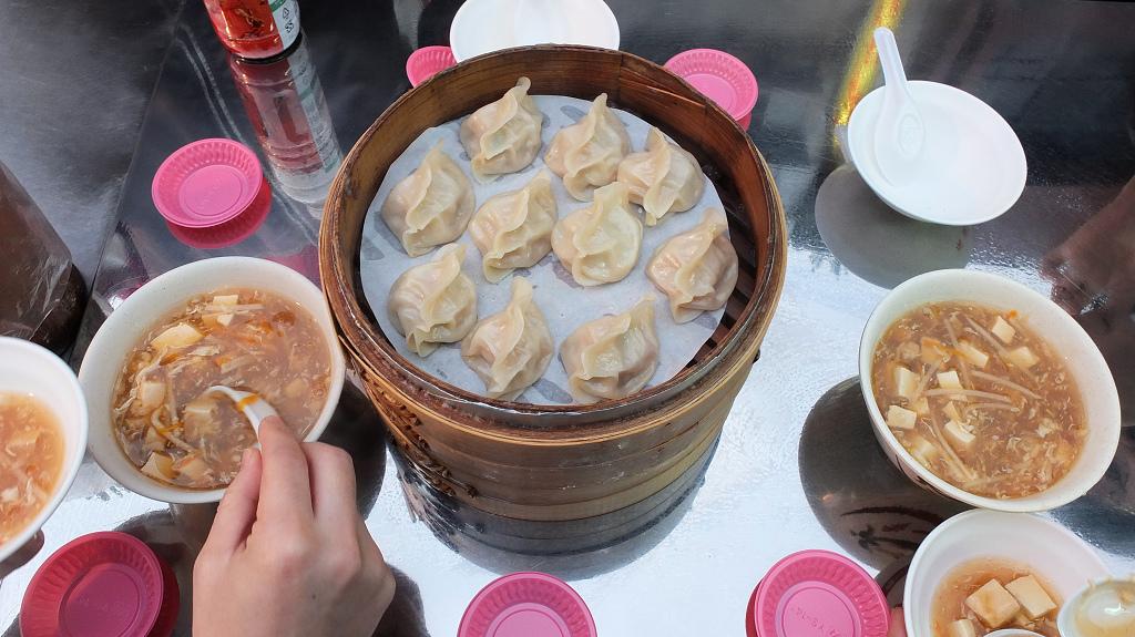 20130324山東赤肉蒸餃+月亮蝦餅 (10)