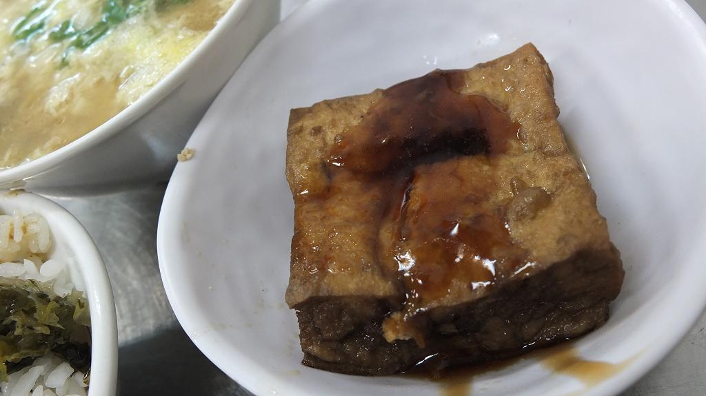 20130421龍恩控肉飯 (20)