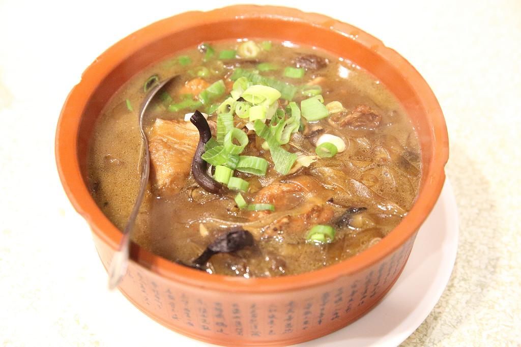 20131202中山-金稻子酸菜白肉鍋 (10).jpg