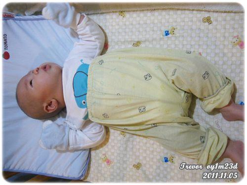 111105-高腰褲嬰兒.JPG