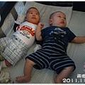 111113-兩個嬰兒-1