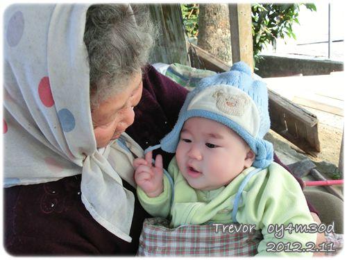120211-兔寶與阿祖-1