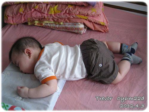 120404-在太婆家睡覺