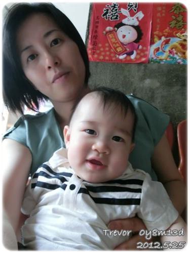 120525-小阿姨自認和兔寶長得像 (1)