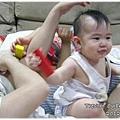 120530-充滿參與感的嬰兒也要湊一腳