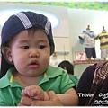 120616-在麗嬰房選帽子 (1)