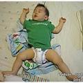 120627-嬰兒的豪邁睡姿