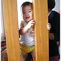 120708-和媽媽玩躲貓貓