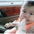 120722-姨的手指頭是磨牙棒