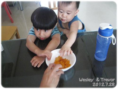 120728-為了洋芋片 (1)