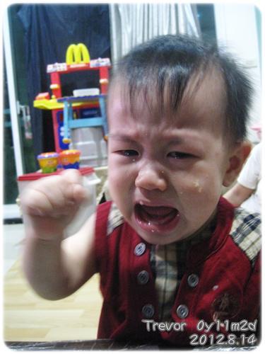 120814-哭皺一張嬰兒臉