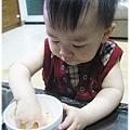 120814-這孩子對吃一直都很堅持
