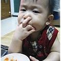 120814-這孩子對吃一直都很堅持 (2)