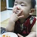120814-這孩子對吃一直都很堅持 (1)