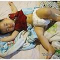 120814-嬰兒的睡相好多樣 (1)