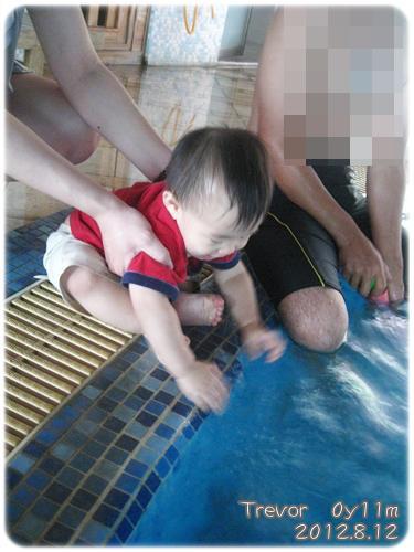 120828-小人也想戲水
