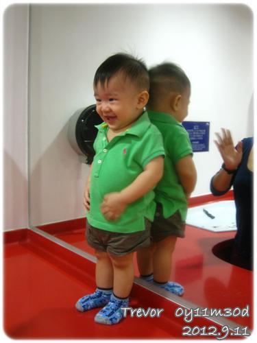 120911-嬰兒室到此一遊 (1)