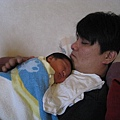 081010-人生中的第一個國慶日,和爸爸在熟睡中度過