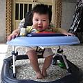 090322-小饅頭學步車初体驗