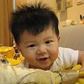 090421-見到鏡頭就笑的小饅頭
