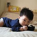090502-媽媽拍照、我啃相機套