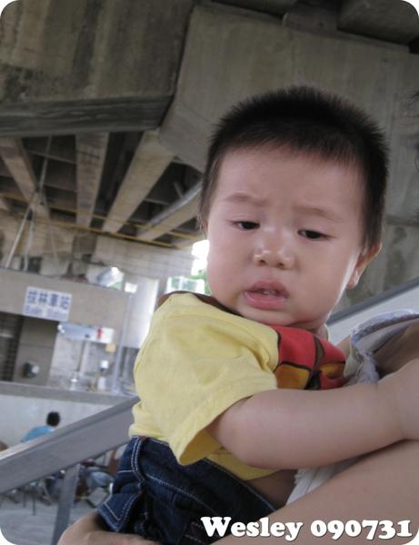 090731-小小人的罩門~下樓梯