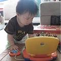 091031-饅頭也愛打電腦.JPG