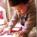 091231-別人家的玩具總是比較好玩.JPG