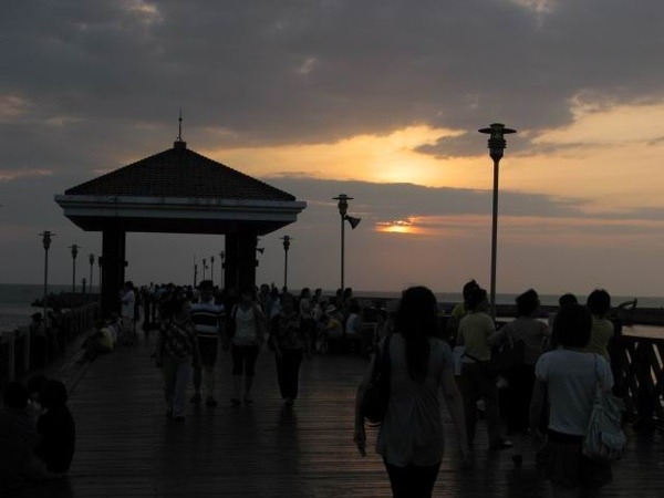淡水魚人碼頭夕陽.jpg