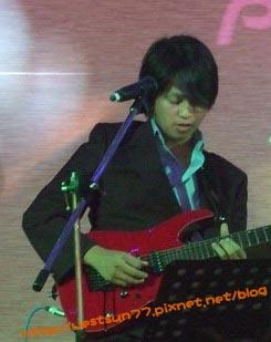 """吉他 """"小哈"""""""