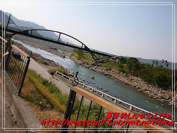 小河上的橋2