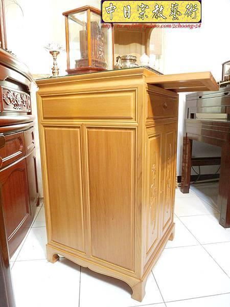 M6702.2尺檜木櫃型神桌 小型公媽桌佛桌.JPG