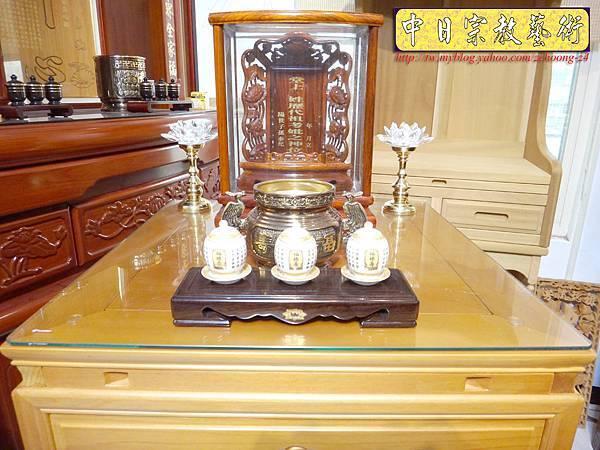M6708.2尺檜木櫃型神桌 小型公媽桌佛桌.JPG