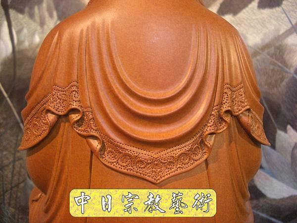 L2024.梢楠木觀音(卍字衣袖).JPG