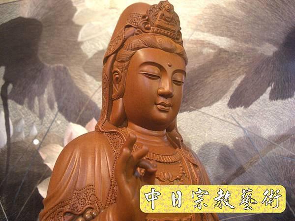 L2030.梢楠木觀音(卍字衣袖).JPG