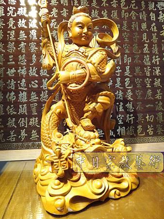 L3402.三太子神像雕刻 站龍太子爺.JPG