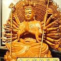 L3719.千手千眼觀音木雕佛像 神桌神像雕刻.JPG