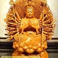 L3720.千手千眼觀音木雕佛像 神桌神像雕刻.JPG