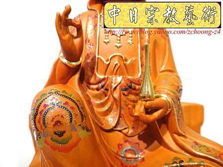 L3909.極緻神桌佛像雕刻 自在觀世音菩薩神像雕刻 極彩描金製做.JPG