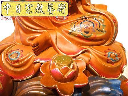 L3912.極緻神桌佛像雕刻 自在觀世音菩薩神像雕刻 極彩描金製做.JPG