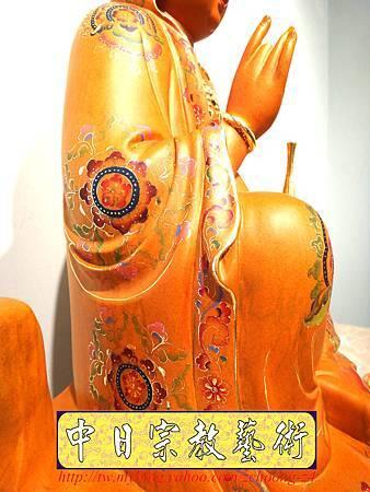 L3921.極緻神桌佛像雕刻 自在觀世音菩薩神像雕刻 極彩描金製做.JPG