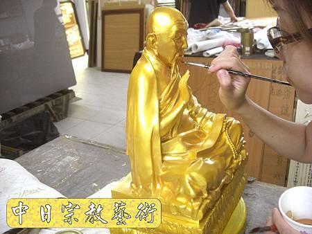 K1812.銅製佛像金身貼金箔製作.JPG