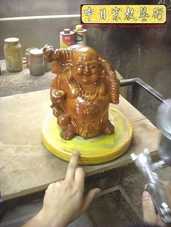 K2208.彌勒佛木雕像整修重新噴漆.JPG