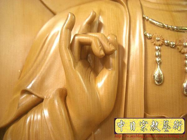 G2310.神桌佛掛佛聯~實木雕刻觀世音菩薩像(半浮雕).JPG