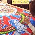 C5522.宮廟龍壁設計製作 四爪青龍 紅底雲層版.JPG