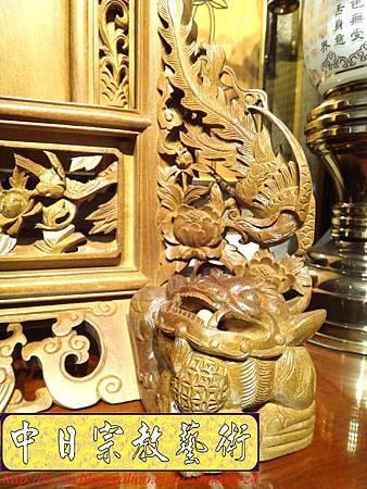 E6809.客家大牌雕刻 雙獅祖先牌位雕刻 肖楠木公媽牌製作.JPG